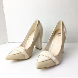 SZ 7.5 Cream Pointed Toe Stacked Heel
